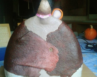 Sculpture, figure of the mother, tenderness, hat, paper mache, woman of andes