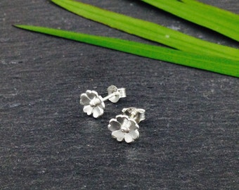Little Flower Earrings Silver 1 Flower, Bridesmaid Gift, bohemian nature, stud earrings, woman gift, Mother's day gift, Spring Fashion