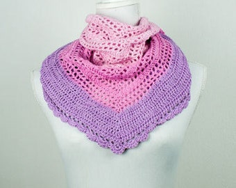 Hand crochet shawl in the colour Pink Magnolia