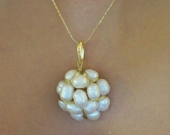 White Fresh Water pearls pendant, pendant, pearl flower pendant