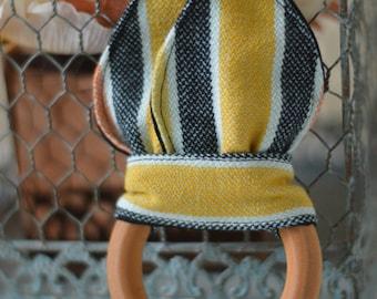 Girasol Waimea Crinkle Teething Ring