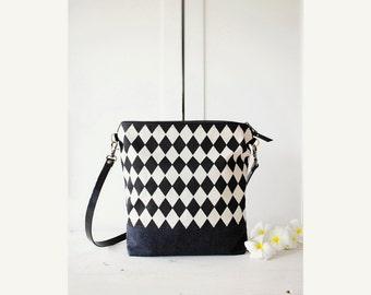 Cross-body bag, Geometric black and white, Zippered Bag, Day bag geometric