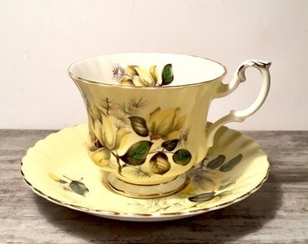 Pale Yellow Royal Albert Teacup and Saucer, Yellow Tea cup, Scalloped, Royal Albert Bone China Yellow Teacup, Canada Shop, Pattern 4502