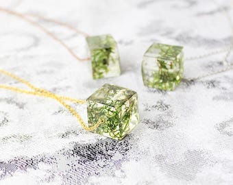floral necklace moss jewelry green necklace resin necklace/for/mom gifts cube necklace nature jewelry gift/for/women modern necklace Рю22