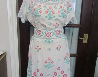 Vintage hand-made floral cotton-like sun top, skirt and matching belt