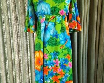 Vintage Pomare Hawaiian  made in Hawaii day glow orange green blue size 10