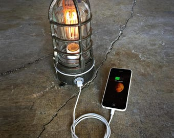 Industrial USB Lamp in Hammered Black, Nautical cage Lamp,  Cage Table Lamp, Bedside cellphone charging dock 120v-220v Steampunk