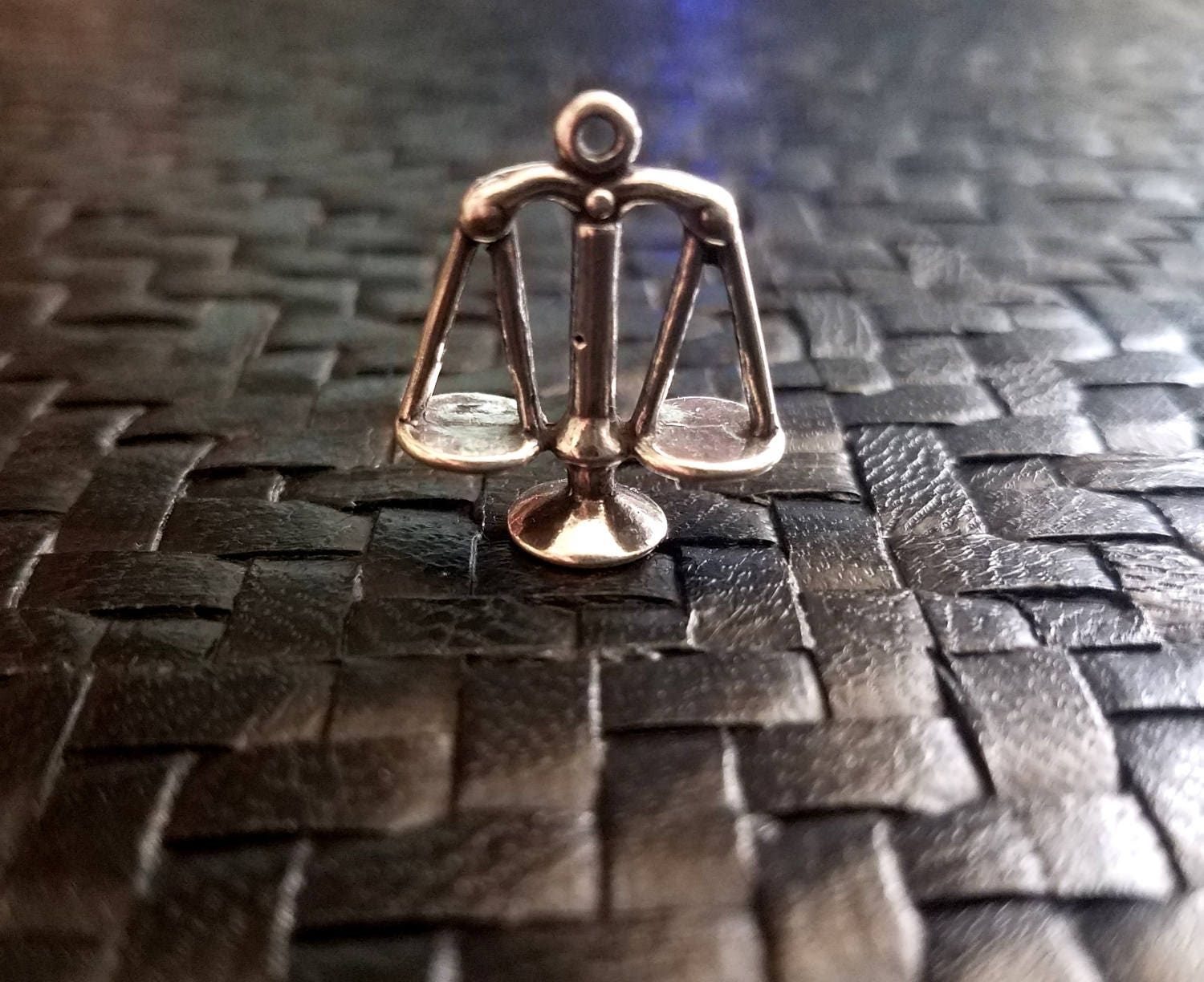 sterling silver libra scales balance charm pendant detailed 3d zodiac justice balanced weights. Black Bedroom Furniture Sets. Home Design Ideas