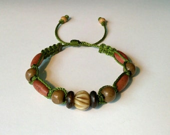 Very nice green and brown Bracelet