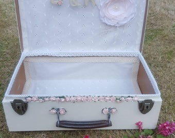 Discounted Wedding cards box Vintage metalbox with a personlised wooden letters banner