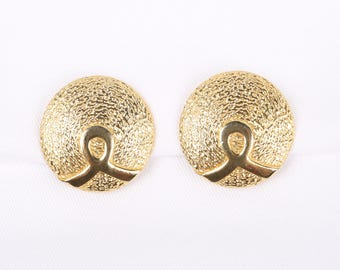 """1960's-70's Shiny Gold Tone Swoop on Textured Large Round Button Clip On Earrings, Excellent Cond., 1-3/8"""" Diameter."""