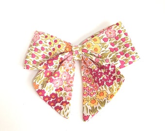May flowers sailor bow