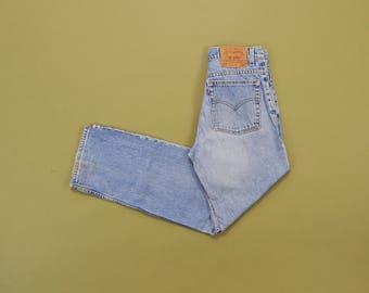 Vintage Levis Jeans, 90s Boyfriend Jeans, Loose Fit Straight Leg Levis, Medium Wash Jeans, Low Rise Jeans, 90s Womens Levis Size 8 / 9