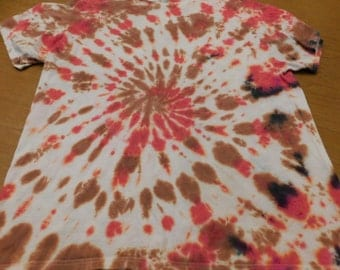 hand dyed, tie dye, adult size XL, spiral design t-shirt, hippie, adult tie dye