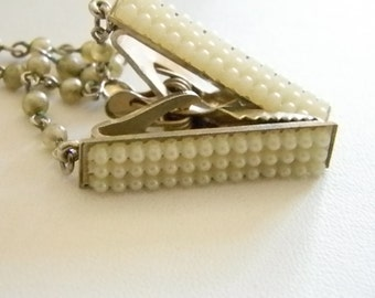3 Sets - Vintage Pearl Look Chain Link Sweater Clip