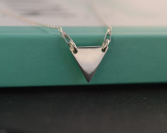 Dainty triangle necklace - Sterling Silver Triangle necklace - Geometric necklace - Minimalist Triangle necklace - Layering necklace