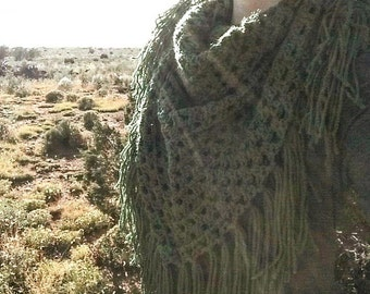 Fringe Triangle Scarf, Crochet Scarf, Crochet Bandana Scarf with Fringe, Fringe Blanket Scarf, Crochet Fringe Shawl, Crochet Scarf