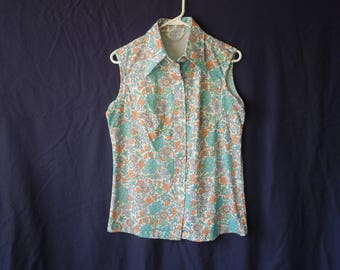 SALE HALF OFF 70s Floral Hippie Pointy Collared Button Down Tank Top