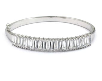 Noble crystal row bracelet