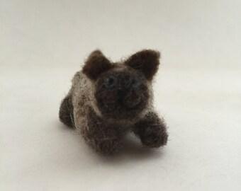 """Needle-Felted Siamese Cat - """"Neko Atsume"""" style"""