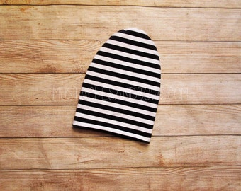 Reversible slouchy beanie / monochrome baby beanie / black and white baby beanie / toddler beanie / monochrome toddler beanie