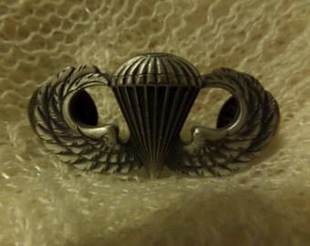 Vintage Military Badges Korea Krew Paratrooper Eagle POW MIA Enamel buttons or pins