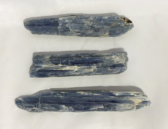 KYANITE Raw Healing Gemstone// Blue Kyanite Raw Crystals// Healing Crystals// Raw Stones// Communication, Intuition// from Brazil