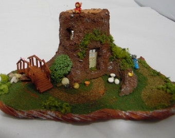 Dollhouse Miniature 1:144 Scale Stump House, Fully Furnished