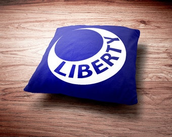Moultrie Liberty Flag Throw Pillow - US History Fort Moultrie Flag Throw Pillow