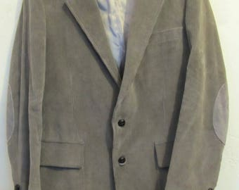 A Men's Vintage 80's,Gray Colored,College Type CORDUROY Blazer By WILLOW BAY.36R