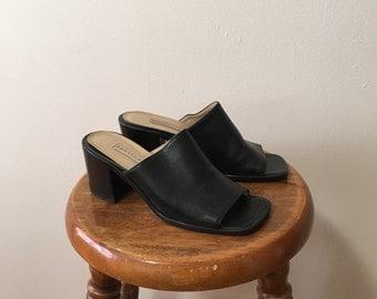 Vtg leather black minimalist mule sandals