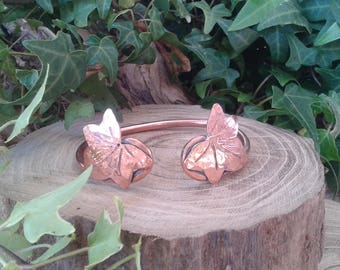 Handmade celtic style copper bracelet with ivy leaves.