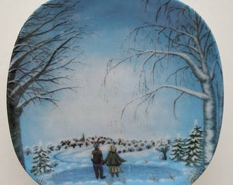 "Arabia Finland Wall plate Talvitunnelmia ""Winter atmosphere"" Made in 1990"