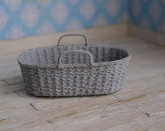 Dollhouse Moses basket in grey