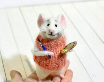 Mouse painter Mouse draws Painting Gift of the artist Paint brush Miniature brush Miniature mouse Cute mouse Paint artist Sweet mouse Mice