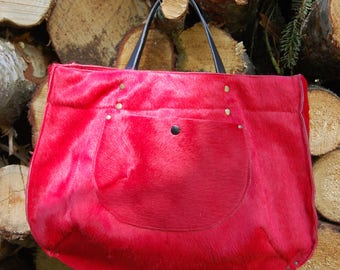 Handmade bags in 100% cowskin made with love.