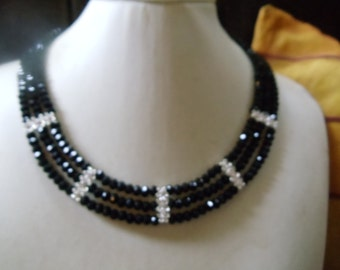 Elegant statement necklace Roxanne black