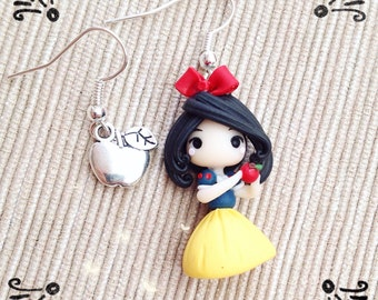 Chibi snow white earrings ~ Cute Disney Earrings polymer clay Polymer Clay Kawaii tiny Princess Princess Snow White Apple Red Handmade gift