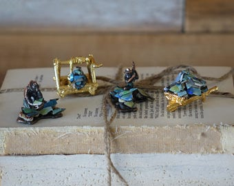 Australian miners figurines - Miniatures mixed-media collage sculptures - Bronze and golden tones figurines and abalone shells