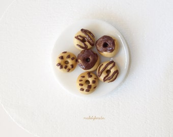Miniature Doughnuts, Miniature chocolate doughnuts, Dollhouse food, 1:12 doughnuts, Polymer clay food (set of 6) - Dollhouse miniature food
