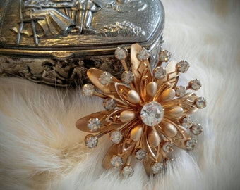GIRGEOUS Vintage Brooch-Brushed Gold with Rhinestones Flower/Star Burst, Starburst- All Orders Only 99c Shipping!!