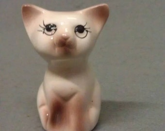Siamese Look Cat Beige and.Tan Cat Tooth Pick Holder