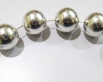 Set of 6 piece- Round Metal Balls Beads Silver Plated , Size 15 mm , Smooth Round Beads , Sold In Wholesale Price.
