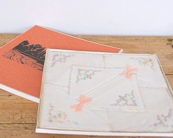 Vintage ladies handkerchiefs in original box.6 unused new white embroidered.boxed hankies.Collectible.Womens handkerchief accessory