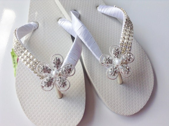 wei e braut perlen flip flops bridal perlen sandalen. Black Bedroom Furniture Sets. Home Design Ideas