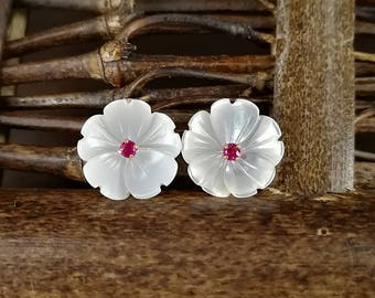 10pcs 10mm White Mother of Pearl Flower Beads White Shell Carved Flower Beads Centre Drilled MOP Flowers 5-petal flowers