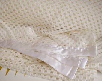 Vintage Large white & cream cellular Blanket. Retro home
