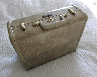 Vintage Samsonite Shwayder Bros. Suitcase Style 4516 Cream/Biege Faux Marbled