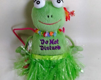"Plush/Stuffed Hawaiian Frog Door Hanger/ One Side Reads ""Do Not Disturb"" And The Other: ""Come In"" /New 10"" High (I)"