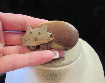 Vintage Hand Carved Wooden Cat Pin